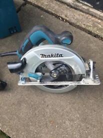 Makita Circular Saw complete with box 240v