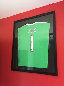 Aberdeen fc signed framed Lewis 1 17/18 shirt