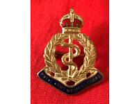 WW2 vintage brass and enamel cap badge