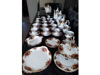 Old Country Roses Royal Albert - Complete Afternoon Tea and Coffee set £300