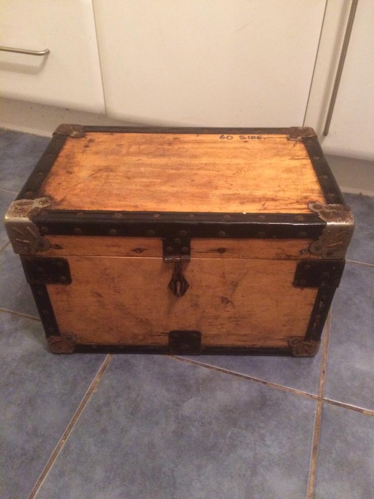 Vintage wooden chest/boxes