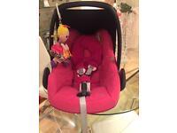 Maxi cosi pebble car seat. Berry pink raindrop. £35 vgc