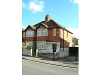 5 double-bedroom student house. Off Cowley road. High-spec, fully furnished, fibre optic broadband