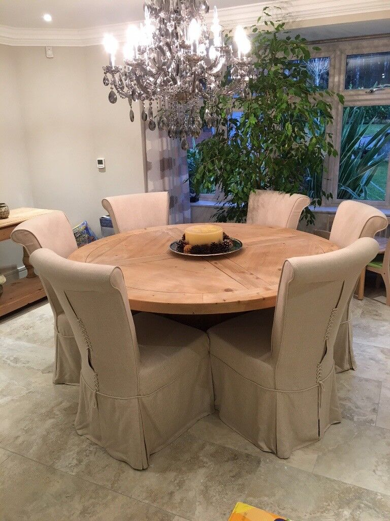 Large Round Light Pine Table With 6 Chairs In Midhurst