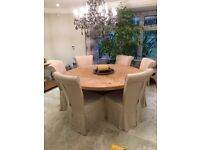 Large Round Light Oak Wooden Table With 6 Matching Chairs