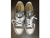 Converse low top size 5.5