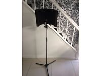 S E sound booth with stand and mic holder black