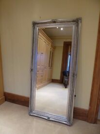 Large antique/vintage-style mirror - AS NEW