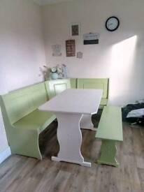 Corner kitchen bench