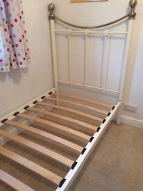 Metal frame single bed