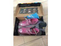 Glitter pink girls heelys size 3