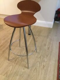 Bar Stool, chrome legs, wooden seat. Excellent condition.
