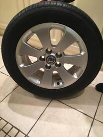 Vauxhall 17 inch Alloy with tyre