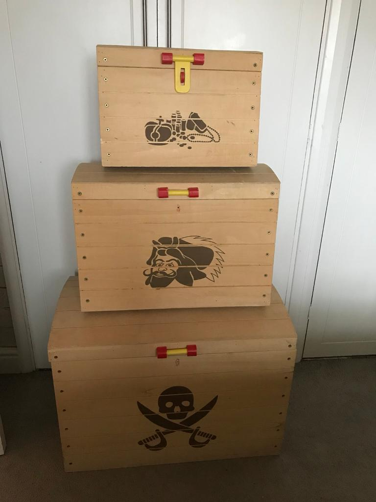 3 x large medium small wooden toy boxes chests DIY shabby chic project? Storage kids room
