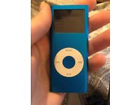 hello my name is chloe and i am selling a old apple ipod. its never really be used its working reall