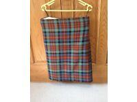 Youth's kilt, Ancient Hunting MacDuff tartan. 28 inch waist.