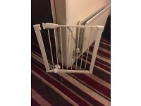 Lindam baby gate with extension