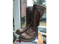 Women's size 7.5 leather Ugg boots with sheep skin lining