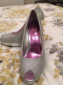 Dorothy Perkins open toe shoes