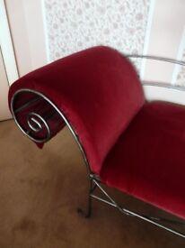Chaise longue deep red velvet