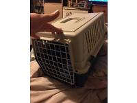 Cat/small dog carrier and 2 feeding trays