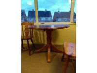 Round Table and 2 chairs