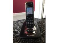 PANASONIC KX-TG8421E black answer phone with cordless phone works perfectly