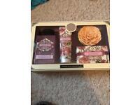 Rose petal luxury gift set