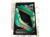 STUNNING hand embroidered Italian green silk pumps