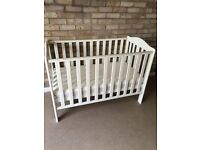 Baby cot in good codition