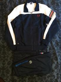 *LIKE NEW* Sergio Tacchini tracksuit men's/teens Size Medium