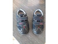 Clarks 1st walkers with flashy lights size 5. Navy