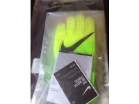 Football gloves never used youth Nike never used as they we too small collect and pay Nike gloves