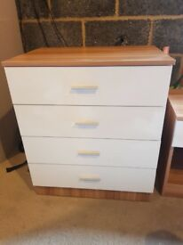 Bedside drawers and chest of drawers
