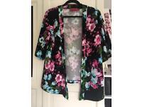 Boohoo Floral Kimono and Shorts Set Size 8