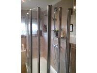 shower screens 5 panel pivot over bath screens (2)