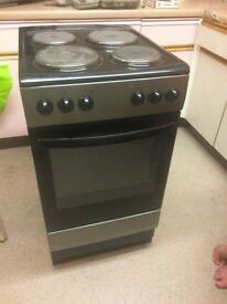 Cooker clean and only 1 year old
