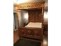King Size Four Poster Bed Stunning!