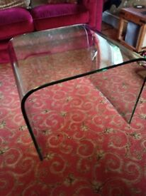 Curved Glass Coffee/Side Table (Large)