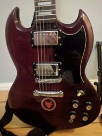 Epiphone SG-400 with case and accessories