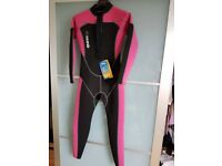 Mares women's wetsuit - new with tags - XS 2mm