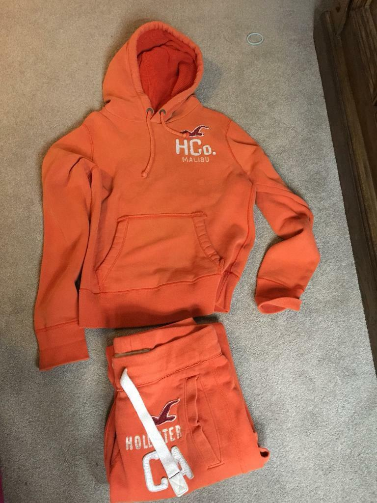 Hollister tracksuit Mens x small
