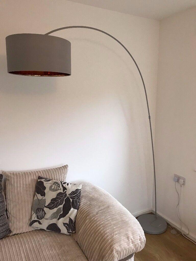 Sweep floor lamp | Matt grey with copper