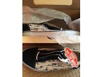 Mens Vans trainers size 10 brand new in box. Hula print