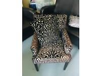 arm chair with matching cussion