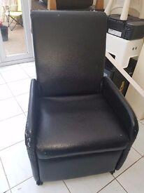 Reclining armchair/stool