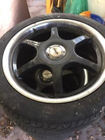 Mint condition alloy tyres