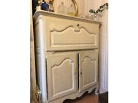 Vintage Cream Shabby Chic Cocktail Bar/Cabinet.