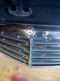 Mercedes C class grill naw just 25