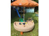 Little Tikes Garden sand and water construction table